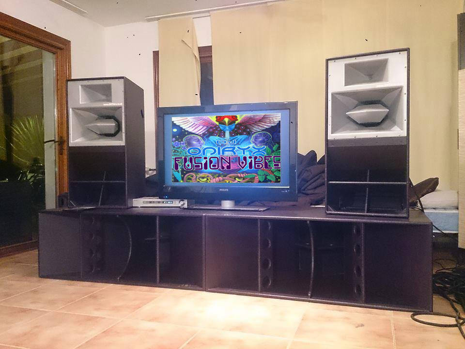 dj oniryx on funktion one home sudio tv by psysrek on. Black Bedroom Furniture Sets. Home Design Ideas