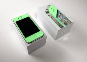 Mint Green iPhone 4S by xXmatt69Xx1