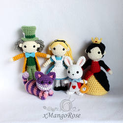 Alice in Wonderland Dolls Collection (Group Pic)