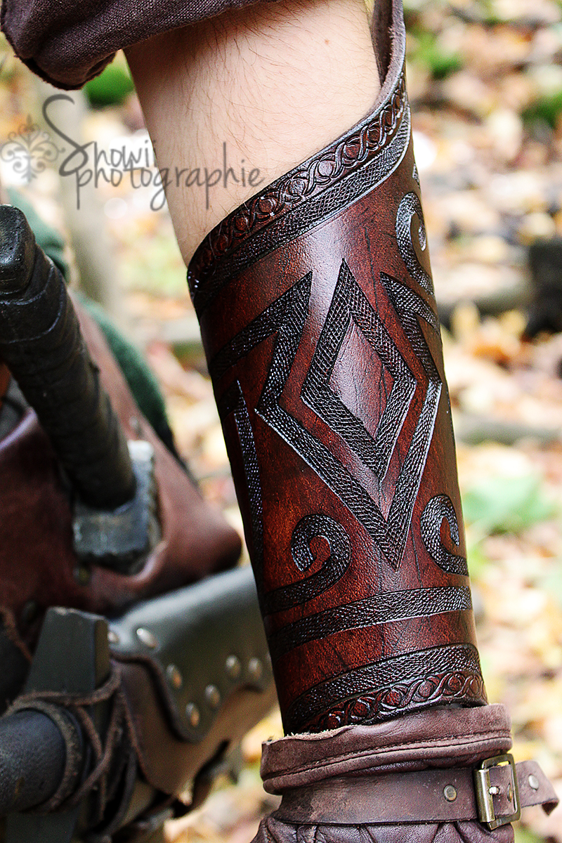 Brown Celtic bracer by Feral-Workshop