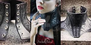 Thorn Neck corset