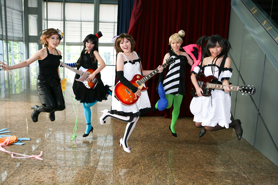 Cosplayers!! K_ON___01_by_xrysx