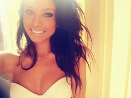 Smile 2 by AlinaCeusan