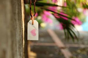 Hanging Heart by barananduen