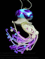 twisted tide jellyfish pendant by carmendee