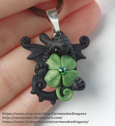Lucky Clover Toothless Night fury St Patrick day by carmendee