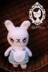 little bunny inspired in Alice by fayettedream