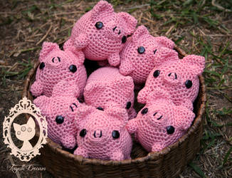 pigs pigs pigs!! by fayettedream
