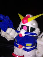 Gundam Mini by areev19