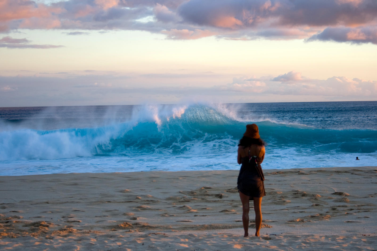 Waves 03 by megamandos