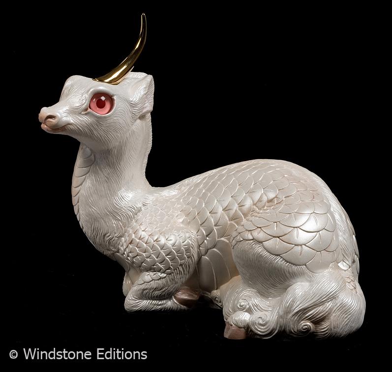 Albino Kirin doe by Reptangle