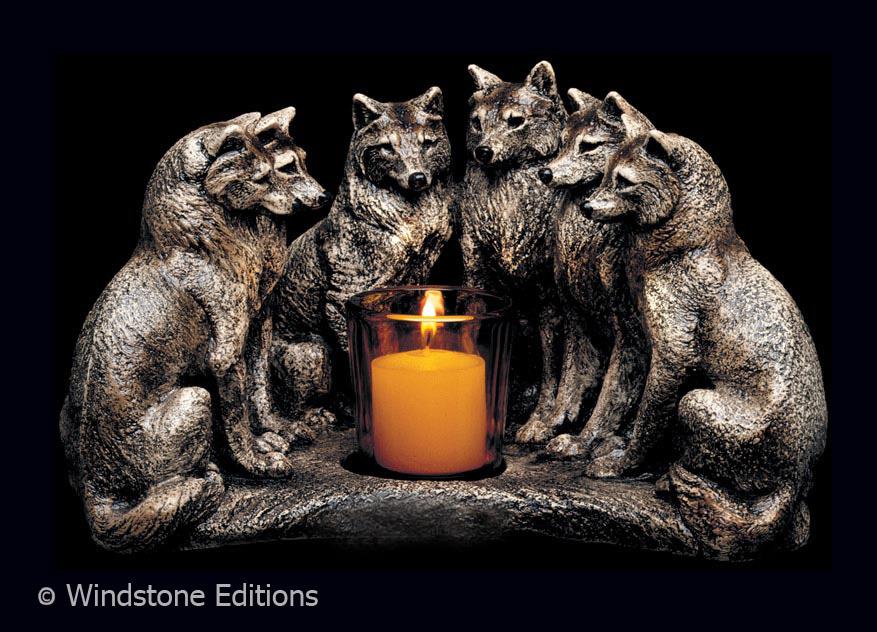 Plamen  svece - Page 3 Wolf_council_candle_lamp_by_reptanglian-d42a4sd