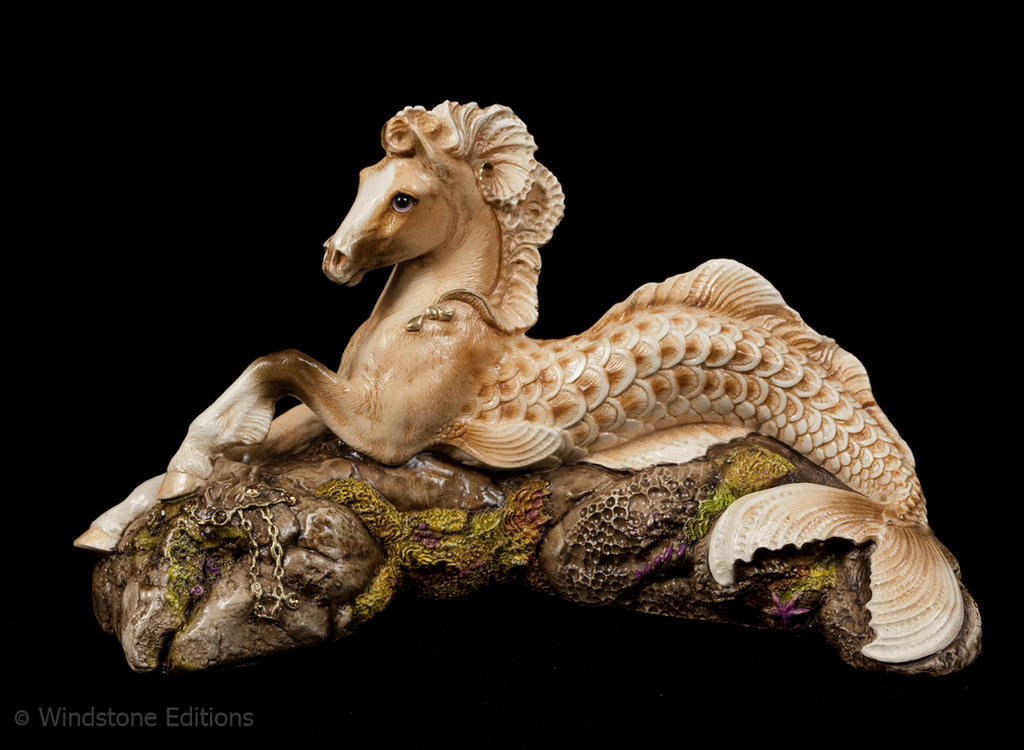 Palomino Hippocampus by Reptangle