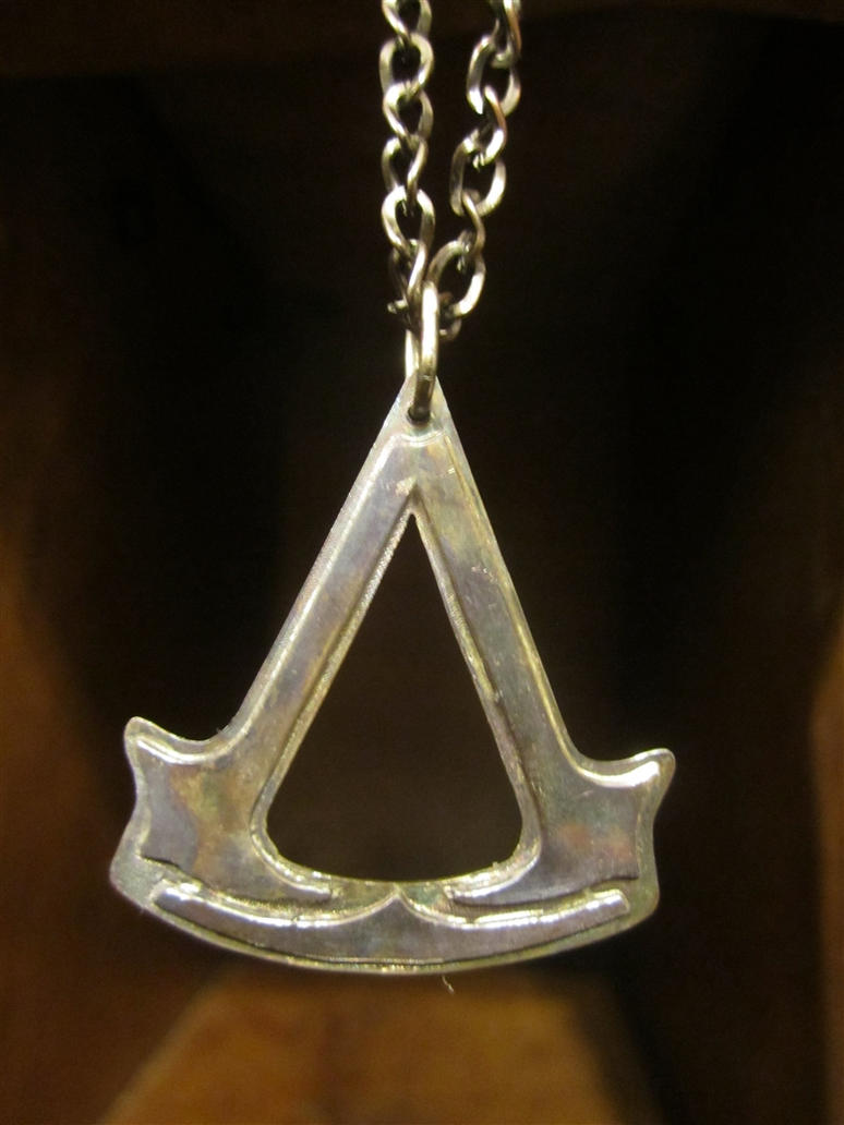 Assassins Creed Pendant Prototype by Silverthink
