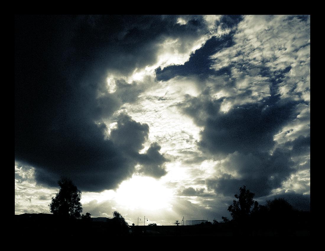 Dark Storm by MediaDesign