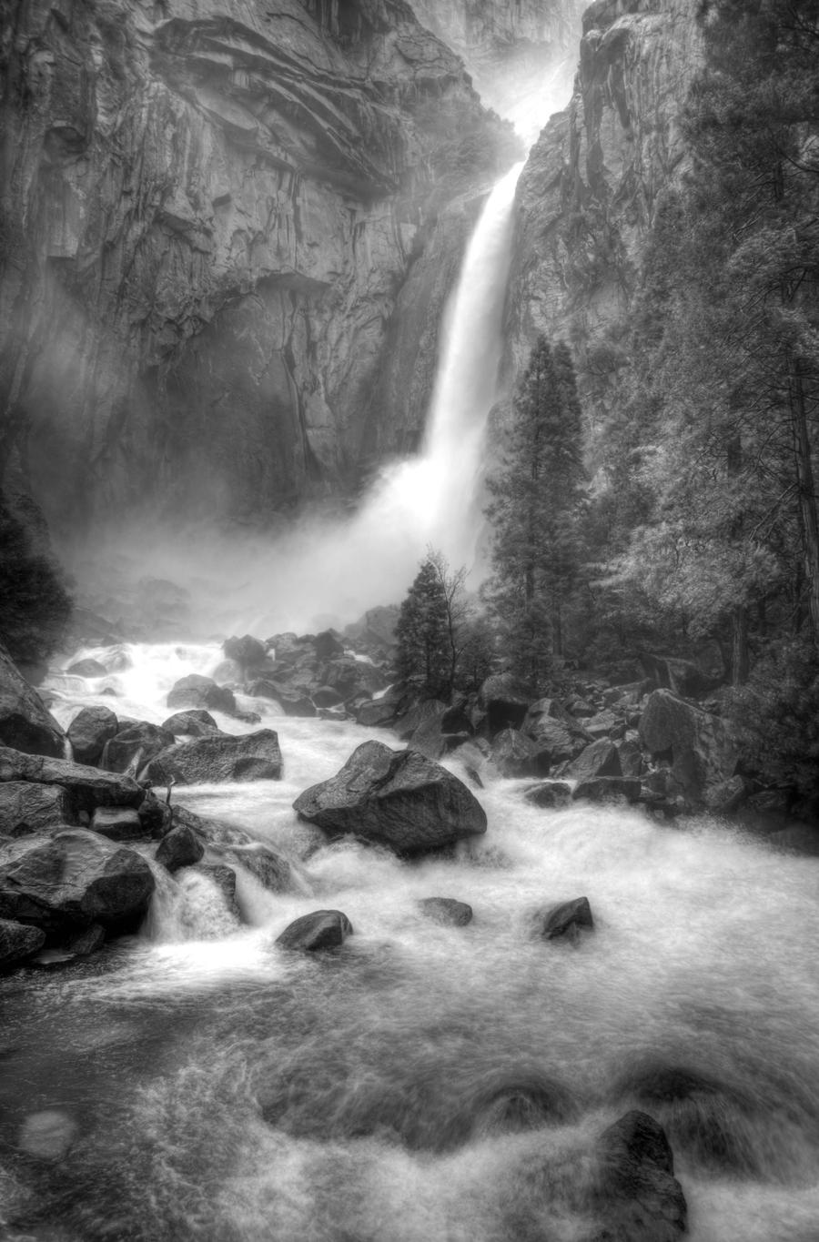 Lower Yosemite Falls by Audisportracer