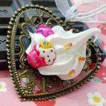Dollop of Cream Necklace