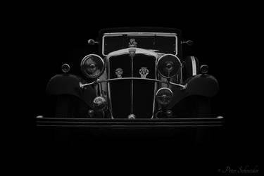 Traveling in style(Morris Oxford Sixteen). by Phototubby