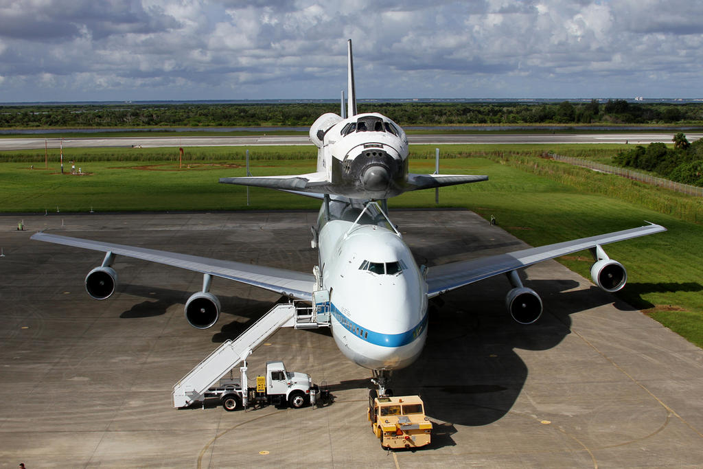 Endeavour and SCA by OpticaLLightspeed
