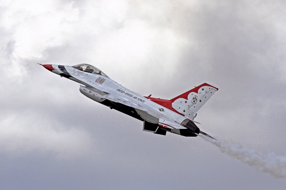 USAF Thunderbirds opposing solo (#5) by OpticaLLightspeed