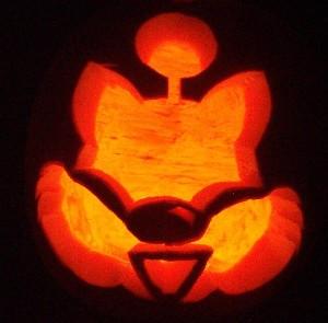 Moogle Pumpkin by lizzyhamham