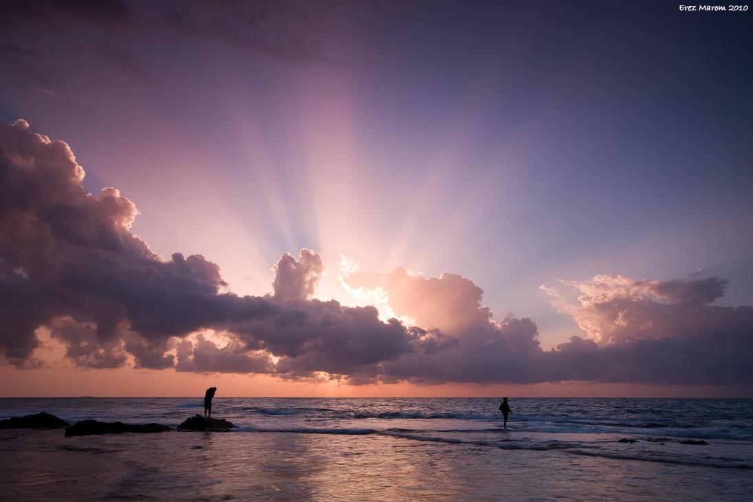 Fishing under Sunrays by erezmarom