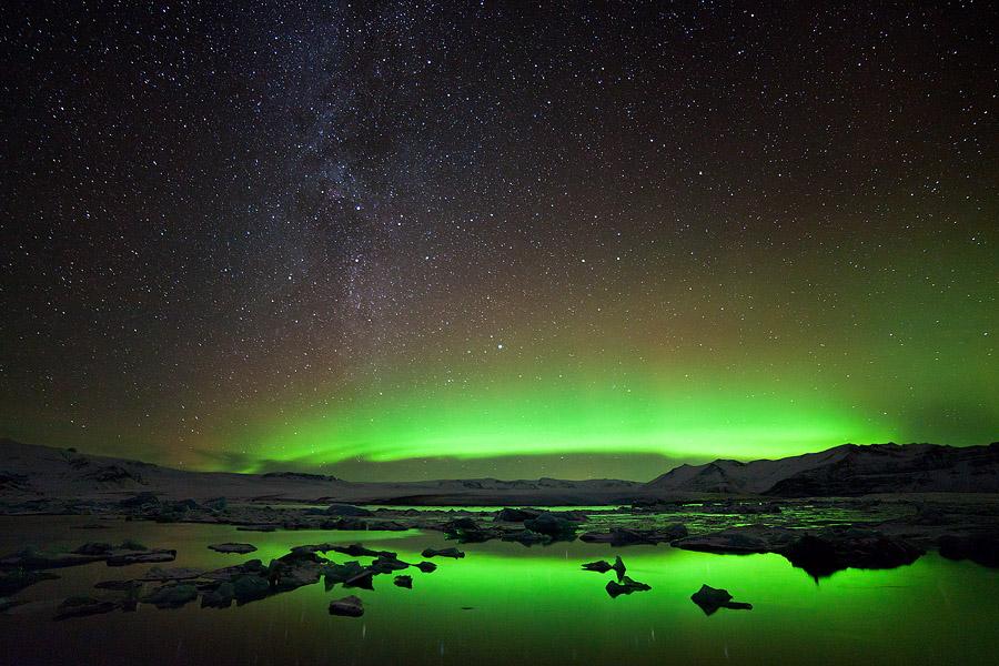 Aurora and the Milky way by erezmarom