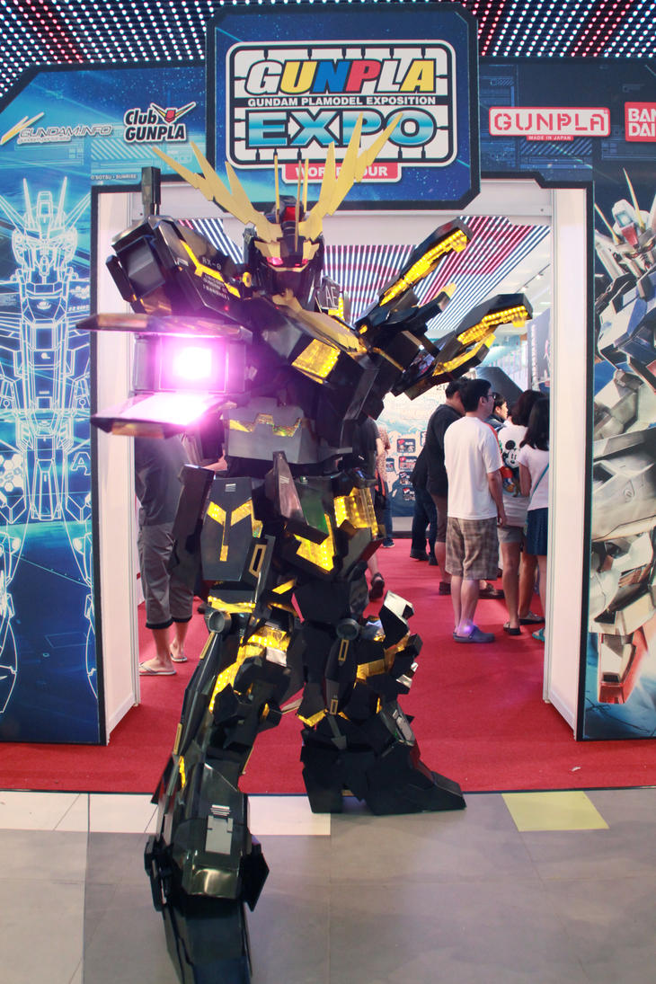 My Gundam Unicorn Banshee cosplay by Clivelee