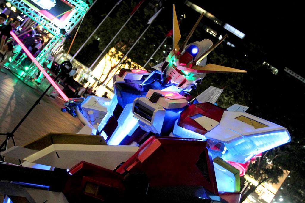 Star Build Strike Gundam Cosplay