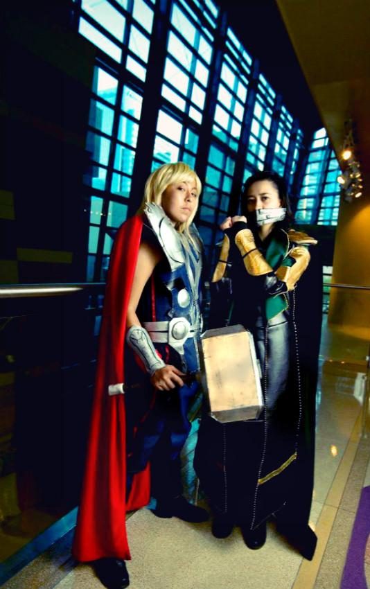 Thor and Loki Avengers Cosplay by Oniakako