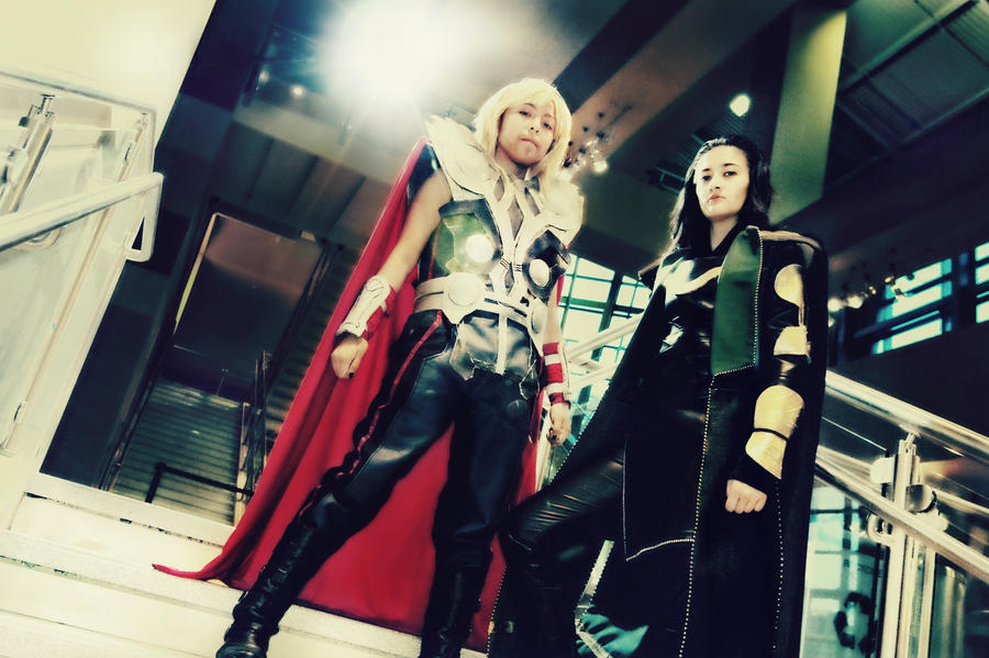 Thor and Loki Cosplays - Like a GOD! by Oniakako