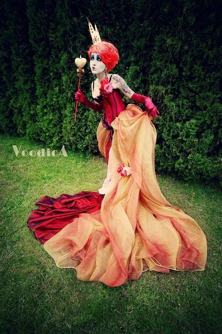 Queen of Hearts by Voodica