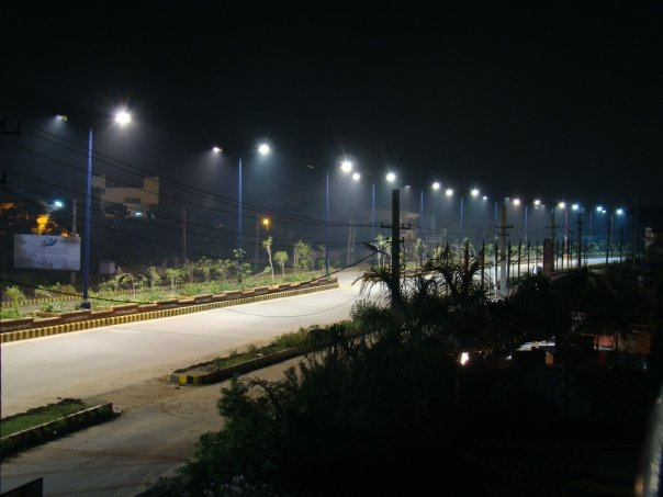 Play of (streets)lights! by pranav03