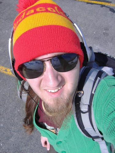 http://fc05.deviantart.com/fs20/f/2007/284/5/3/Me_Touque_Shades_by_LimeGreenSquid.jpg