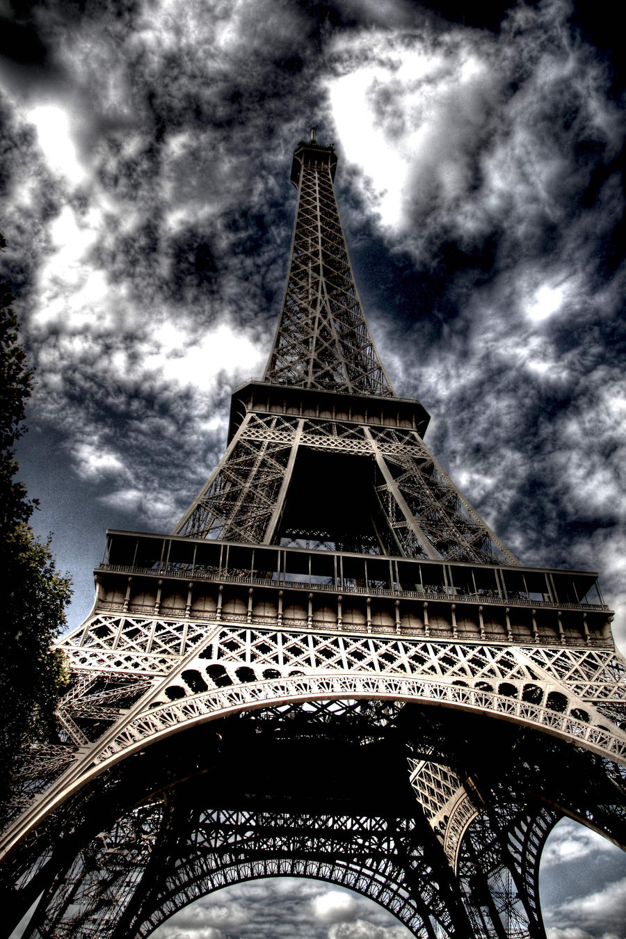 eiffel tower hdr by Anestis9985