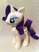 The pony everypony should know by PlanetPlush