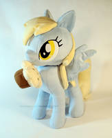 Derpy loves muffins! by PlanetPlush