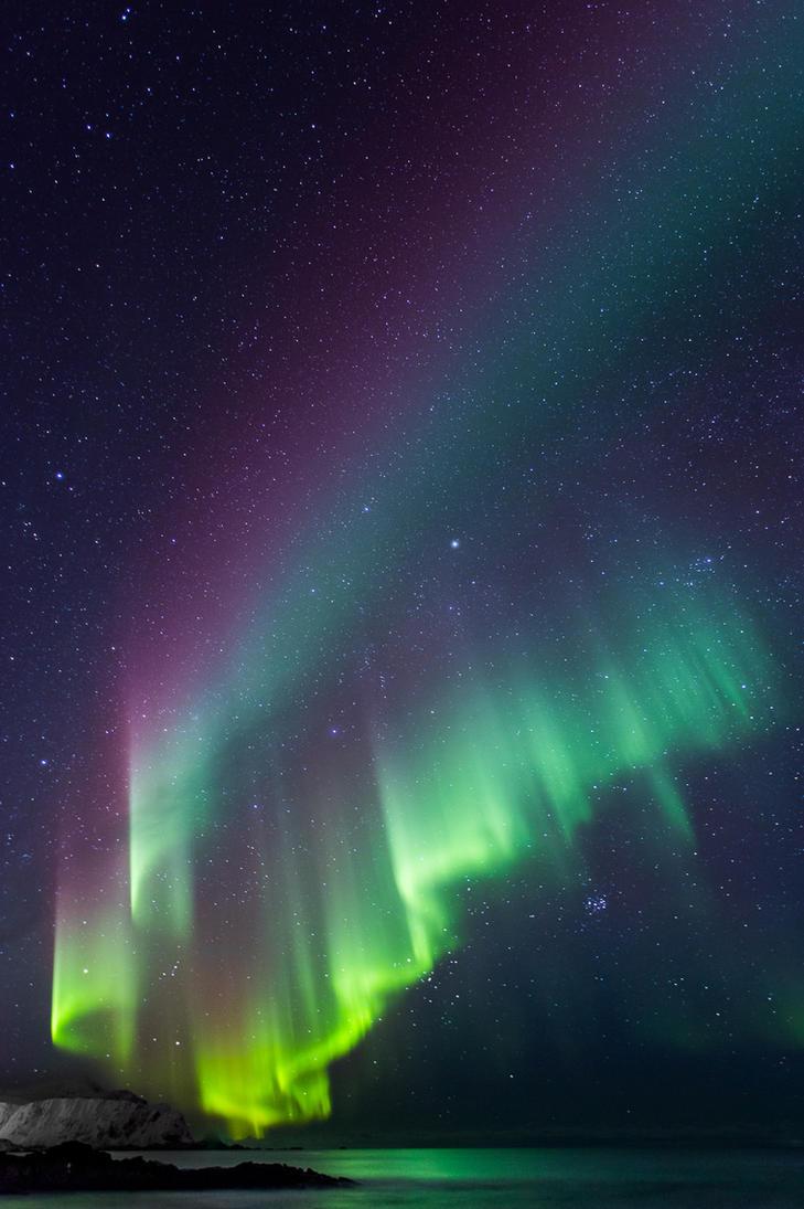 Aurora gone wild by JohnyG