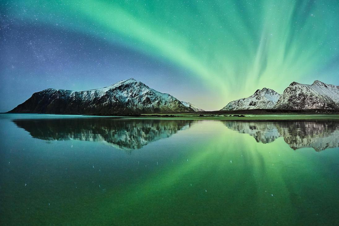 Northern reflection by JohnyG