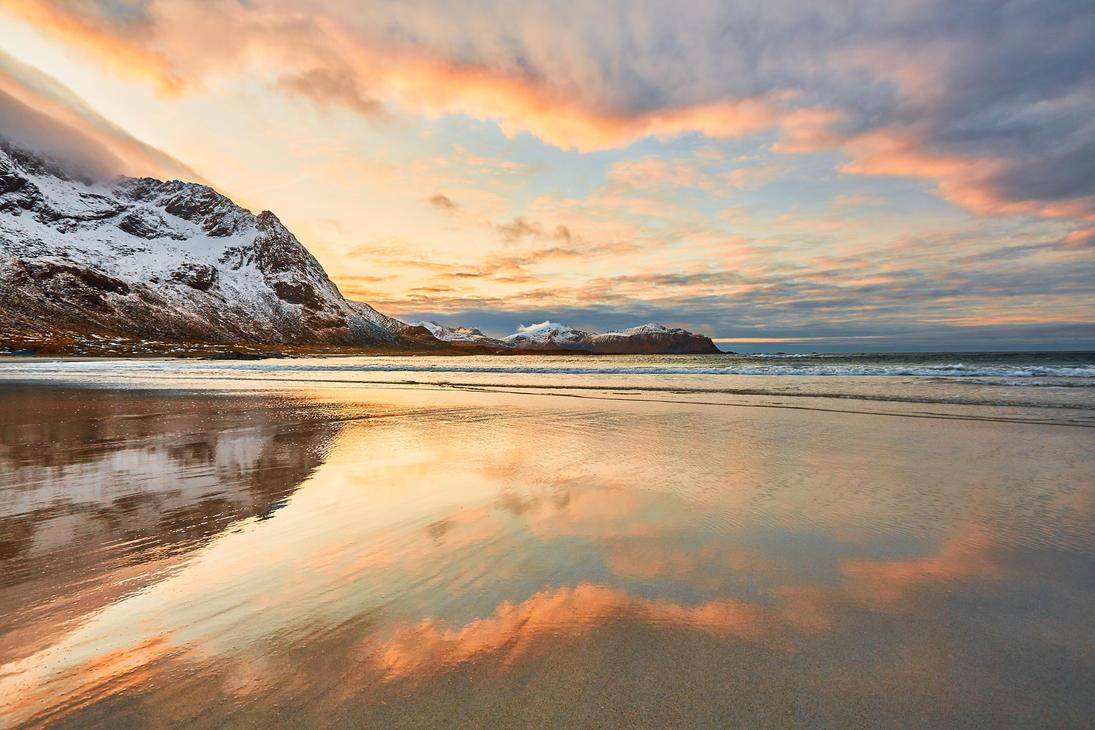 Sunset Reflections by JohnyG