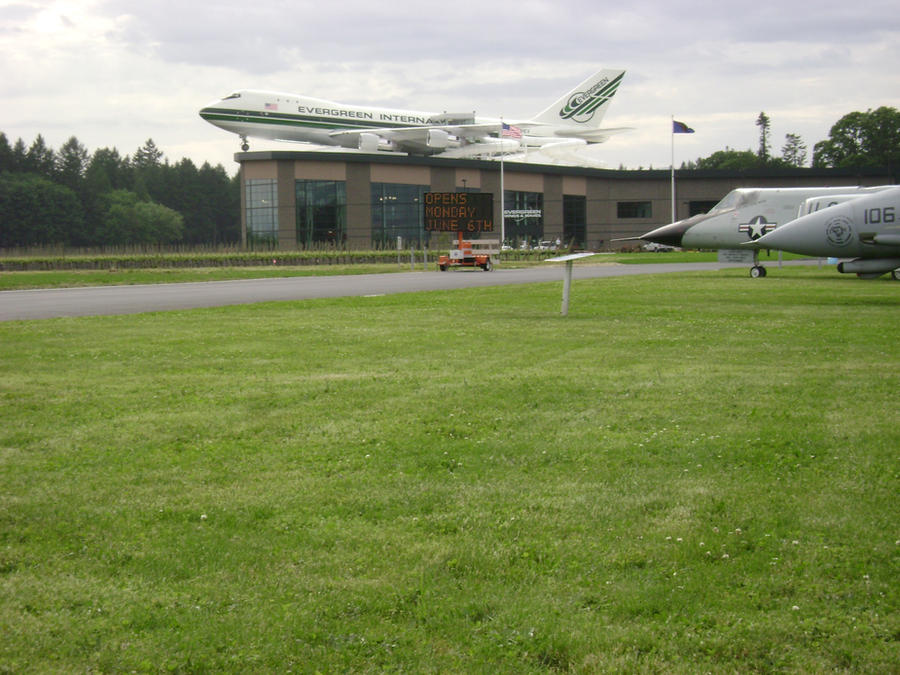 """evergreen aviation museum water park essay The world famous """"spruce goose"""" is adjacent to olde stone village in the evergreen aviation and space museum the aviation museum into a water park."""