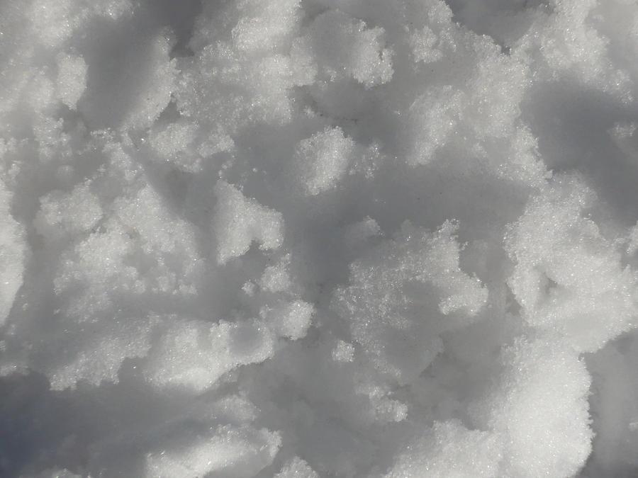 Snow by ElNaso