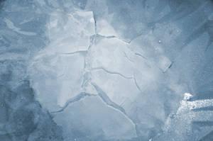 Ice cracks n.1 by ElNaso