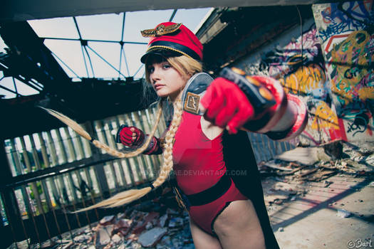 Cammy Bison cosplay from Street Fighter