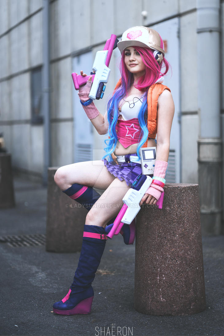Arcade Miss Fortune cosplay - League of Legends by LadySundae