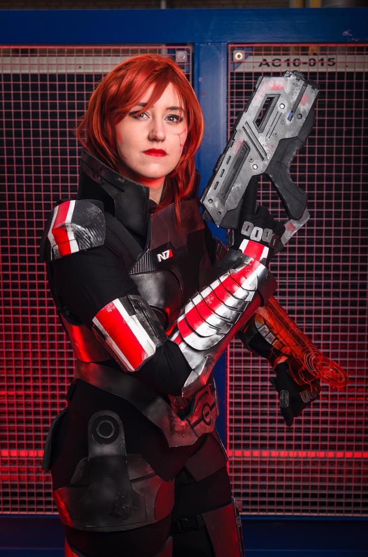 Mass Effect - Commander Shepard by xPandorae