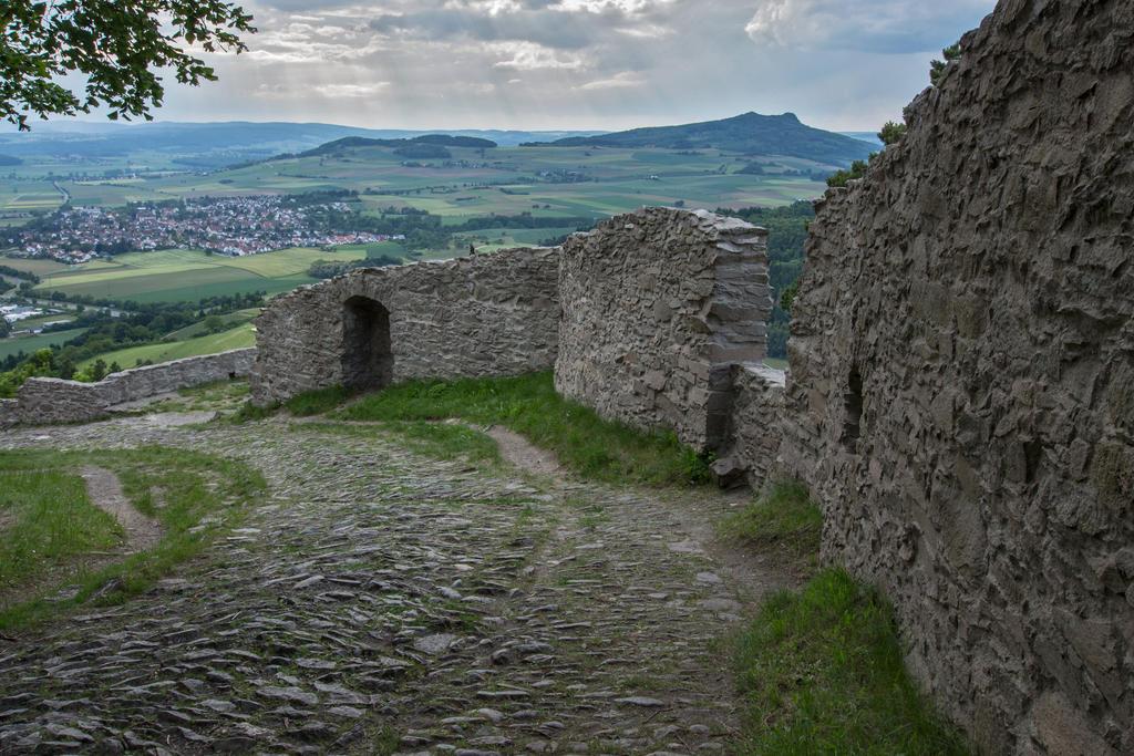 Ruins 05