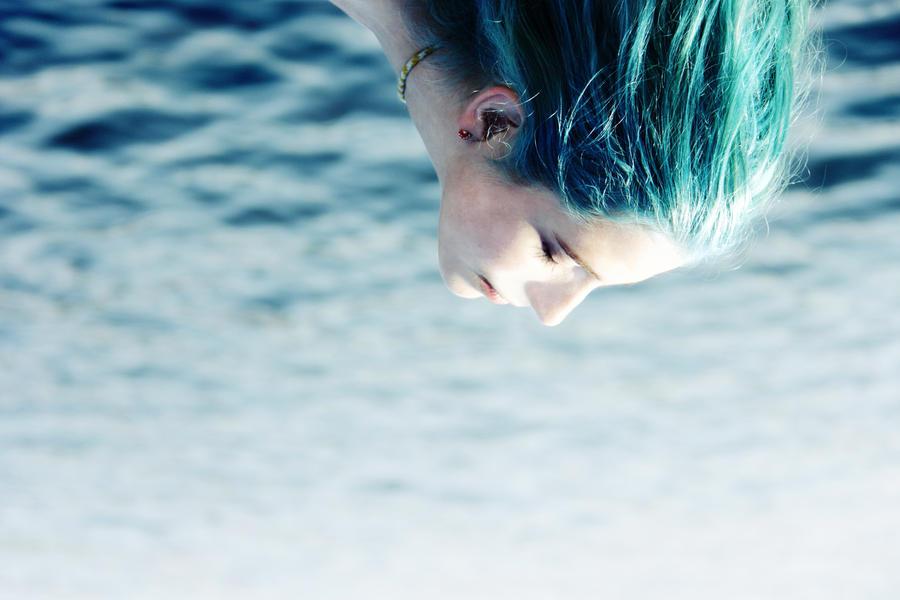 Girl Blue 3 by minginc