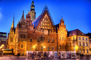 City Hall in Wroclaw by DamianMekal