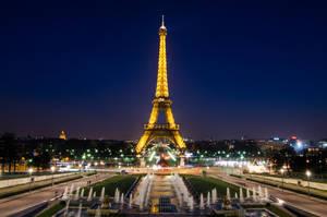Eiffel Tower by DamianMekal